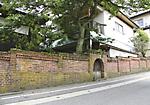 西光寺のレンガ塀